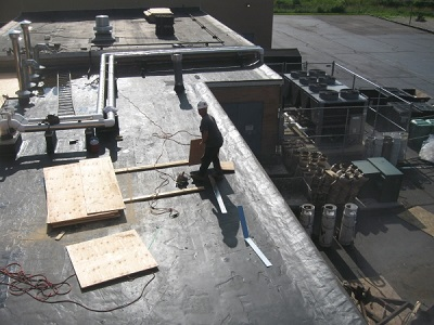 Fall Protection Violation on Roof